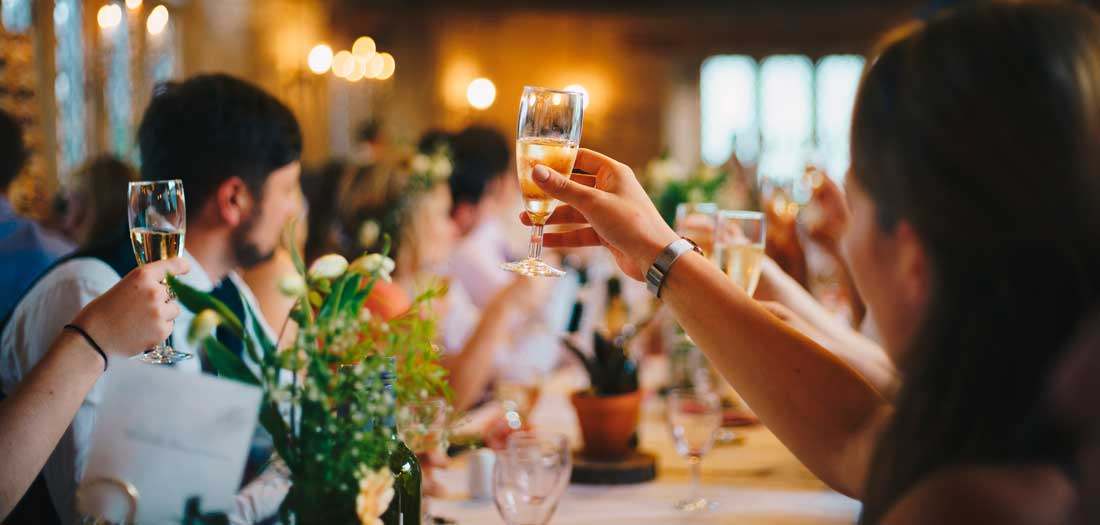 les-cles-du-paradis-salle-location-mariage-gard-cevennes-herault-chambre-hote-nature-reception-terrasse-domaine-alasdair-elmes